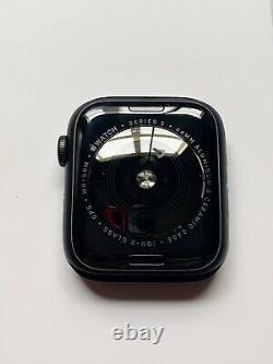 Apple watch series 5 44mm. BRAND NEW / WARRANTY ONE YEAR BY APPLE