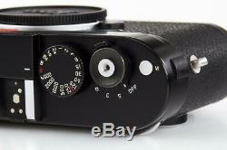 Leica M (Typ 240) 10770 black paint with one year of warranty // 32657,52