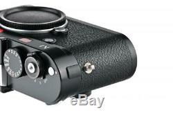 Leica M (Typ 240) 10770 black paint with one year of warranty // 32925,56