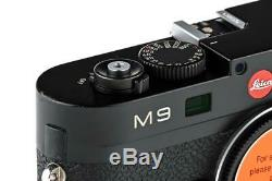 Leica M9 10704 black paint with one year of warranty // 32925,1