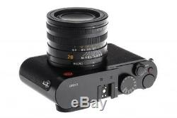 Leica Q 19000 near mint with one year of warranty // 32806,10